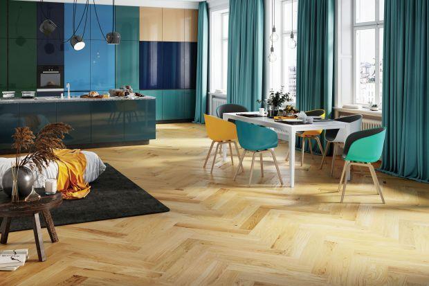 Jakie nowoczesne i modne rozwiązania będziemy stosować w podstawie naszych aranżacji wnętrz? Jakie podłogi, ściany idrzwi wewnętrznych będą modne?Sprawdźcie.