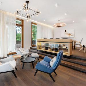 Deska dębowa wędzona. Kolekcja Woodlife flooring. Fot. Galeria Wnętrz Domar / Comfort plus podłogi