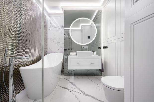 Dobrze dobrane oświetlenie to przede wszystkim komfort i bezpieczeństwo. Dzięki niemu łazienka jest funkcjonalna, a my bez najmniejszego problemu możemy oddawać się codziennej pielęgnacji.