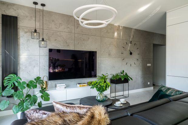 Ściana za telewizorem w salonie: 10 najlepszych pomysłów! Zobacz zdjęcia!