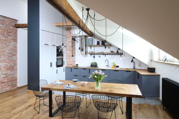 Marzysz o szarej kuchni, ale nie wiesz, czy sprawdzi się w twoim małym mieszkaniu w bloku? Zobacz pomysły na szare meble kuchenne, które będą się pięknie prezentować w każdym wnętrzu!