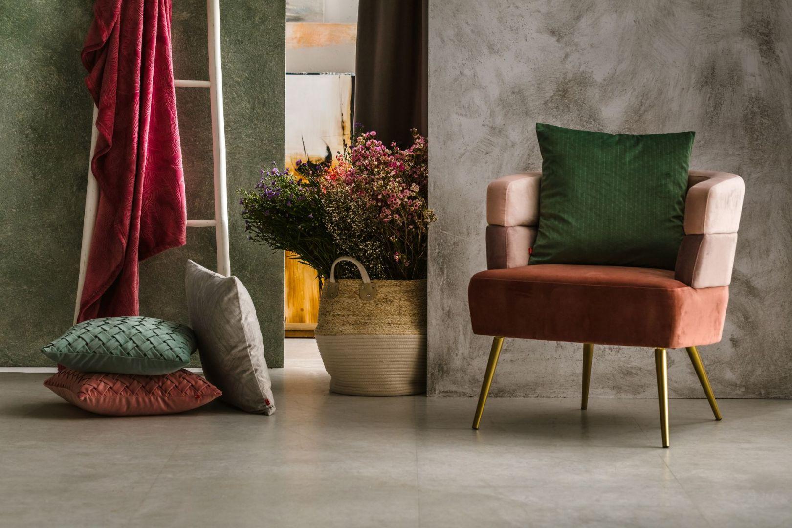 Najnowsza propozycja do salonu na 2021 rok z katalogu Home&You - te kolory będą rządzić w tym roku! Fot. Home&You