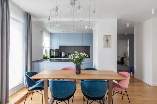 Tworzone na wymiar meble kuchenne stały się jednym z niezbędnych elementów funkcjonalnych i dobrze zaprojektowanych wnętrz.
