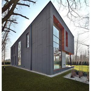 Współczesne okna przestały być zwykłymi produktami budowlanymi – stały się elementami idei tzw. inteligentnego domu oraz przedmiotami wyjętymi wprost z koncepcji IoT. Fot. Beczak & Beczak