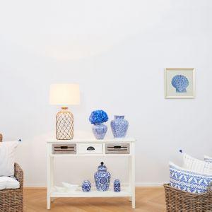 Wprowadzajmy do wnętrz grafiki, tekstylia i dekoracjach i zmieniajmy według uznania, bawiąc się własnym wnętrzem. Fot. WestwingNow.pl