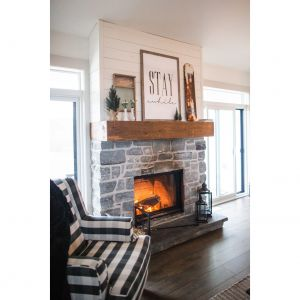 Najlepsze rodzaje drewna opałowego do pieca opalanego drewnem lub kominka spalają się stosunkowo stabilnie, wytwarzając więcej ciepła i, zazwyczaj, spalając się pełniej. Fot. Unico