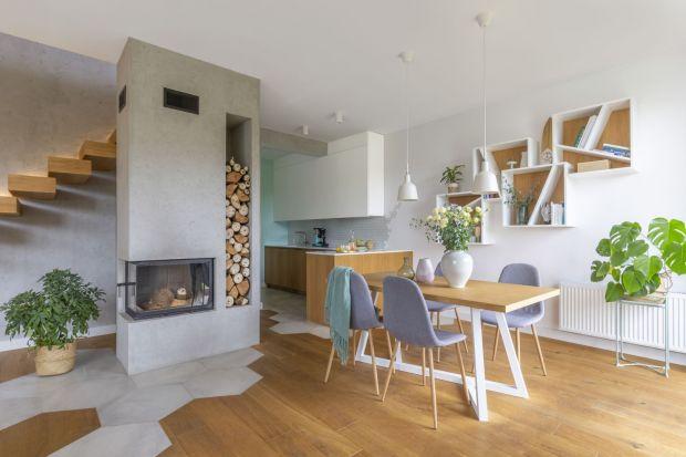 Kominek na drewnostał się niezawodnym, niedrogim i przyjaznym dla środowiska sposobem na ogrzewanie domu i kreowanie przytulnej atmosfery.<br /><br /><br />