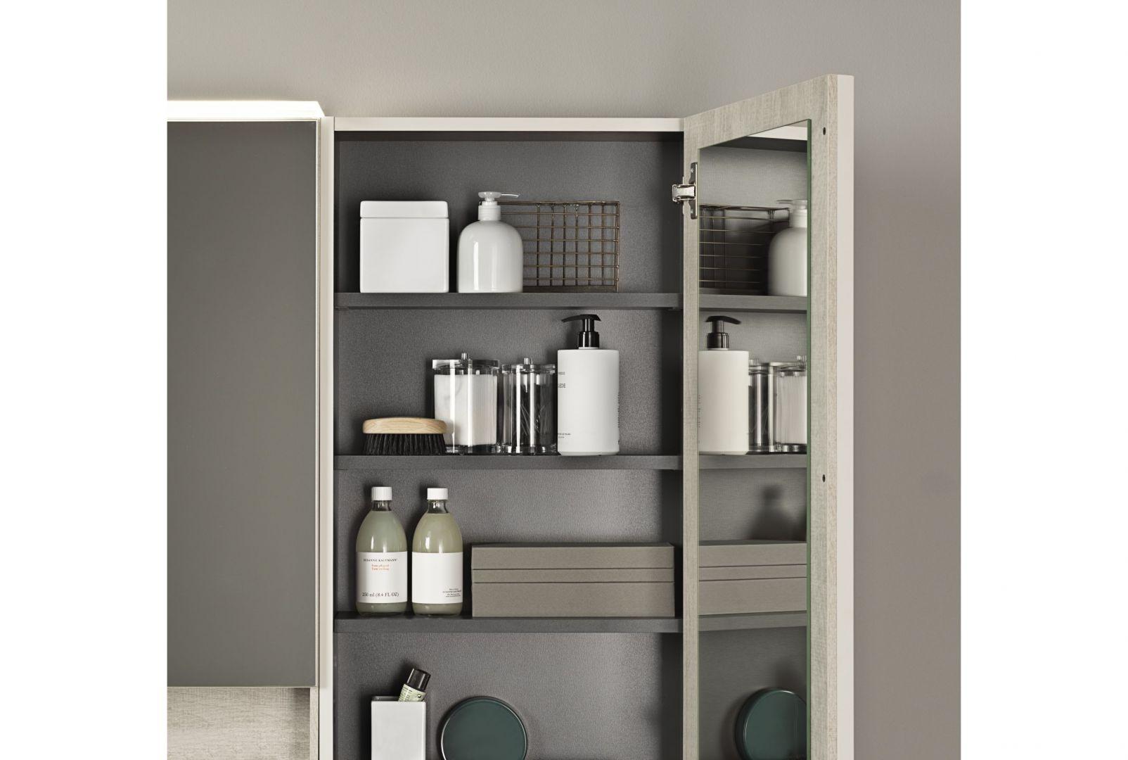 Meble z kolekcji Geberit Acanto łatwo dopasować do łazienek o różnej stylistyce. Fot. Geberit