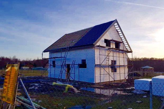 Dom o konstrukcji stalowej może byćniedrogiw budowie i w późniejszej eksploatacji. Będzie energooszczędny, a nawet pasywny.
