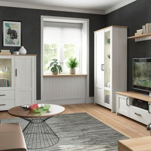 Meble do salonu: kolekcja Loksa stylu skandynawskim przyciąga uwagę ramami na frontach, mocnymi uchwytami, prostą stylistyką i jasną kolorystyką. Producent: Black Red White