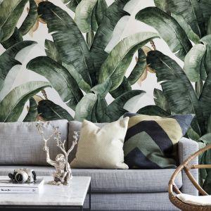 Ściana w salonie. Pomysł 2. Botaniczne, roślinne wzory na ścianie. Na zdjęciu tapeta marki Photowall. Fot. Photowall