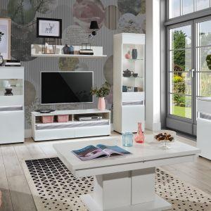 Stolik kawowy do salonu w białym kolorze z kolekcji Neo dostępny w ofercie firmy Salony Agata. Fot. Salony Agata