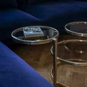 Stolik kawowy we współczesnym stylu. Projekt: in architekci, Anna Białobrzewska. Zdjęcia: Hanna Połczyńska, Kroniki Studio