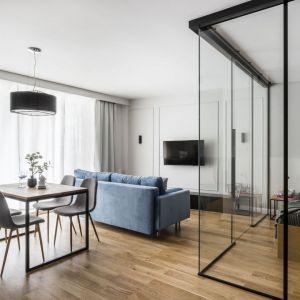 Małe mieszkanie na wynajem w nowoczesnym stylu. Projekt: Anna Maria Sokołowska. Fot. Foto&Mohi