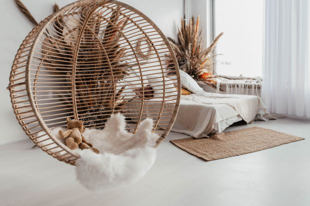 Fotel do salonu: pomysł na piękne meble w stylu boho