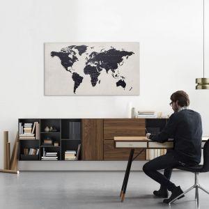 Pomysł na domowe biuro. Na zdjęciu biurko Cupertino i szafka Lugano, marka BoConcept, dostępne w Domotece. Fot. mat. prasowe Domoteka