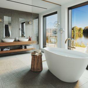 Wanna z kolekcji Senja świetnie prezentuje się w wersji wolnostojącej, stając się idealnym centrum domowego SPA. Fot. Fjordd