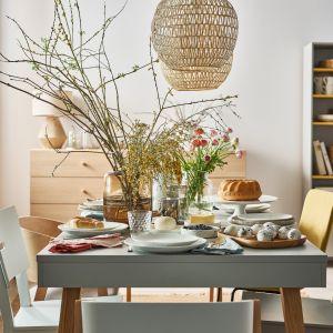 Aby Wielkanoc wyglądała wyjątkowo, stwórzmy na soim stole namiastkę łąki. Fot. Vox