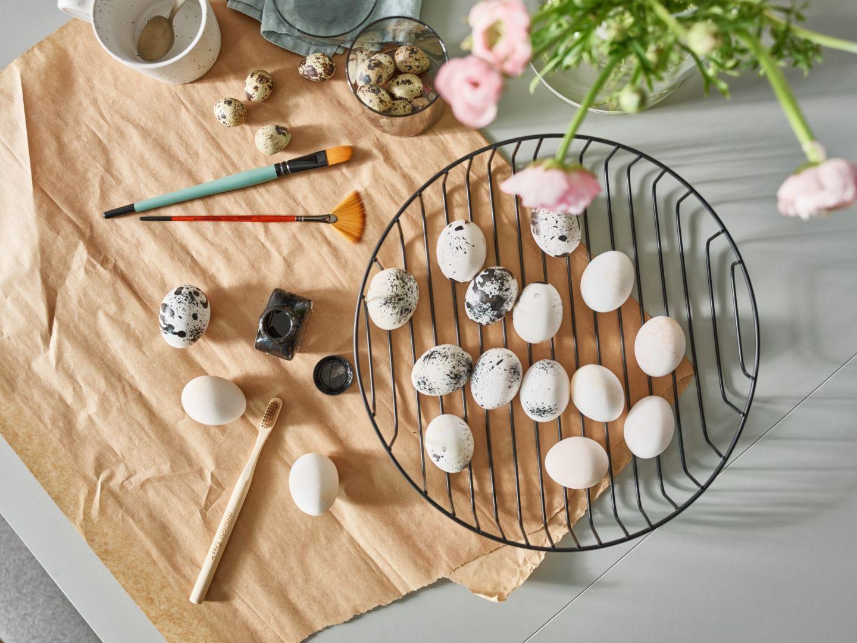 W przerwie od pieczenia i gotowania znajdźmy chwilę, by przygotować pisanki. Fot. Vox