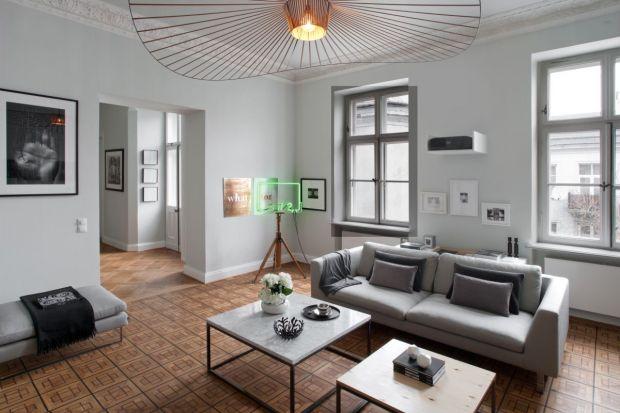 Wnętrze wypełnione sztuką. Zobacz piękny apartament w zabytkowej kamienicy!