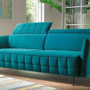Sofa Molta jest połączeniem nowoczesnego designu, elegancji i komfortu. Prosta bryła wykończona niebagatelnymi detalami będzie ozdobą każdego wnętrza. Fot. Libro Meble
