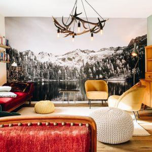 Villa Kraft - całkowicie odnowione wnętrze zrujnowanego hotelu stało się pięknym i nowoczesnym wakacyjnym domem. Fot. mat. prasowe Bronzetto