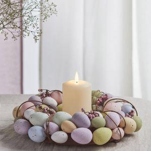 Wielkanocny stroik z pisanek w pastelowym kolorze. Fot. Lights4fun