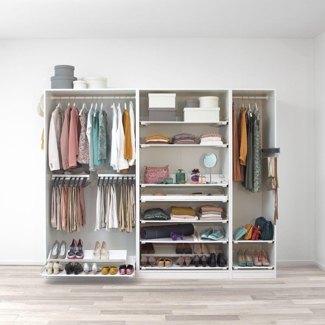 Dobrze rozplanowana garderoba to rozwiązanie wielu codziennych problemów i oszczędność czasu. Fot. Peka