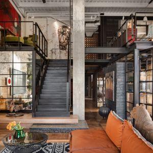 Niesamowity loft w Kijowie. Tak mieszka para architektów. Projekt Hayloft by Loft Buro. Fot. Andrey Aveenko. Mat. pras. Antrax IT