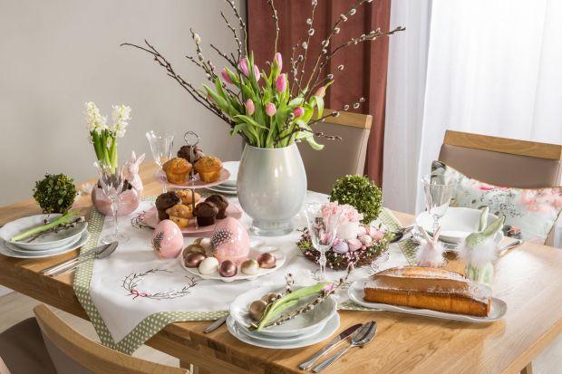 Stół na Wielkanoc warto pięknieprzygotować. Niech będzie elegancko stylowo i kolorowo. Zobaczcie akcesoria, kolory i wzory do dekoracji świątecznego stołu w tym roku. Sprawdźcie nasze propozycje i zainspirujcie się aktualnymi trendami.