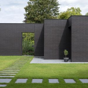 Na elewacji widzimy czarną cegłę. Zdjęcia: i29/Ewout Huibers