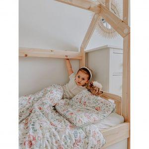 Jeżeli chcemy niewielkim kosztem odmienić wnętrze pokoju dziecięcego, postawmy na całą kolekcję. Fot. Pinio
