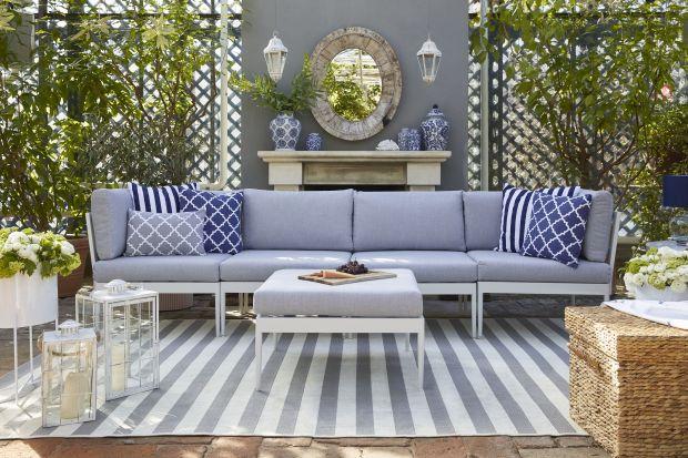 Jakie meble wypoczynkowe wybrać do ogrodu lub na taras? Jakie tekstylia będą najlepsze, najciekawsze? Polecamy kolekcje przytulnych mebli wypoczynkowych i kolorowych tkanin, łączących nowoczesność z szykiem południowych willi i błogością wakac