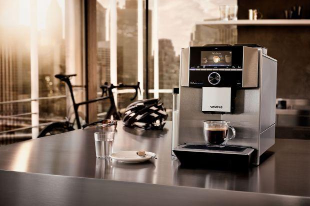 Nasze domy już do wielu miesięcy są też naszym miejscem pracy. Dla wielu osób ekspres do kawy stał się więc niezbędnym elementem wyposażenia kuchni.<br /><br />
