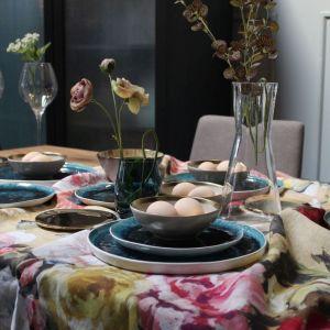 Pomysł na wielkanocny stół w prostym, nowoczesnym stylu. Fot. 9design.pl