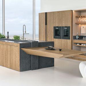 Modna kuchnia w kolorze drewna. Fot. Zajc