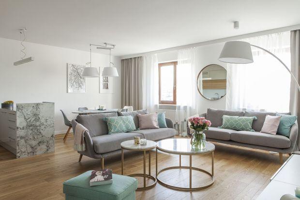 Pastelowy salon: 12 wnętrz w pięknych jasnych kolorach