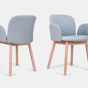 Krzesło April, tapicerowane, nogi drewniane w różnym wybarwieniu do wyboru. Marka: Paged. Cena: od 956 zł. Fot. Paged