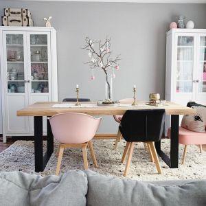 Krzesło Claire, z tworzywa sztucznego, z podłokietnikami. Cena: ok. 360 zł. Marka: Westwing