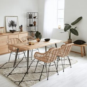 Krzesło Costa w stylu boho, podłokietniki, wykonane z polirattanu. Cena: ok. 350 zł. Marka: Westwing