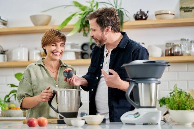 Jak sprawić, aby gotowanie było jeszcze prostsze i przyjemniejsze? Wybierz dobry sprzęt do swojej kuchni. Gotowanie będzie szybsze, mniej skomplikowane i sprawi ci więcej radości.