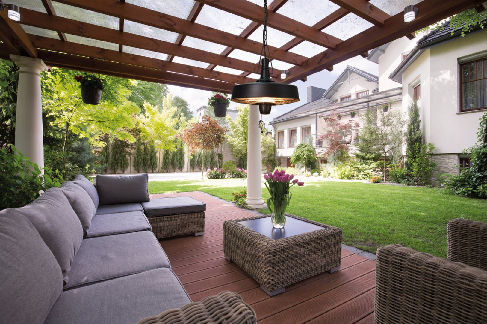 Urządzenia są praktyczne i funkcjonalne, a ich nowoczesny i estetyczny wygląd stanie się dodatkową ozdobą ogrodu czy tarasu. Fot. Activejet