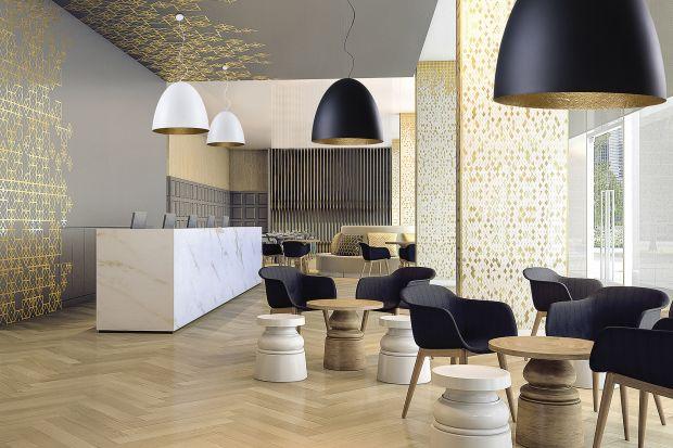 Duże lampy to jeden z trendów 2021 w aranżacji wnętrz.Gabaryty XL sprawiają, żeoświetlenie przykuwa uwagę, stanowiąc wyraźny i zdecydowany akcent dekoracyjny.
