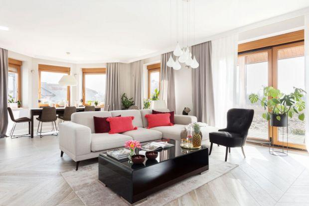 Jaki stolik wybrać do salonu? Okrągły czy kwadratowy? Drewniany czy szklany? Podpowiadamy! Zobacz przegląd świetnych stolików do salonu z pięknych polskich domów i mieszkań.
