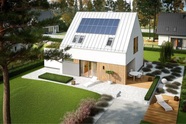 Ten nowoczesny dom jest komfortowy, wygodny i energooszczędny. W jego przestronnym, jasnym, otwartym wnętrzu znakomicie odnajdzie się rodzina z dwójką dzieci. Poznaj bliżej idealny projekt domu dla siebie.