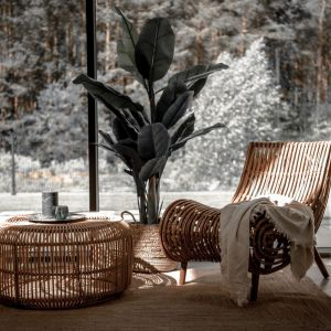 Fotel rattanowy Kaba marki Monnarita. Ciekawy designerski kształt. Cena: 1449 zł, Monnarita