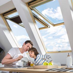 Dobry montaż okien jest kluczem do sukcesu w zakresie trwałości, energooszczędności i wygody ich użytkowania. Fot. Fakro