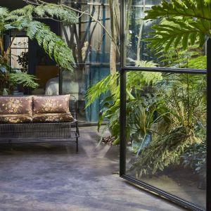 Sofa z kolekcji Velvet z oferty HKliving. Fot. Dutchhouse.pl