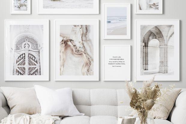 Serene Spaces to bardziej minimalistyczny trend, który koncentruje się na rozświetlonej i jasnej estetyce pozbawionej bałaganu.