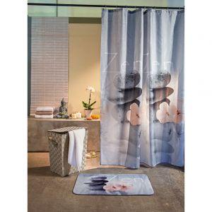W domowym spa nie może zabraknąć dekoracje łazienkowych. Miękki dywanik tuż przy wannie, rośliny, które swoją zielonością przemycą trochę natury, czy bambusowe koszyczki lub figurka Buddy – możliwości jest wiele. Fot. KiK